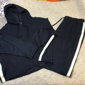 EXCELLENT CONDITION!  AEO OPEN BOTTOM SWEATPANTS!